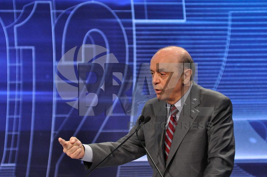 OSASCO, SP, 03 SETEMBRO DE 2012 – DEBATE REDETV – ATENÇÃO EDITOR: FOTO EMBARGADA PARA VEÍCULOS INTERNACIONAIS: Candidato a prefeitura de São Paulo José Serra durante debate realizado na noite desta segunda feira (03) pela RedeTV, na sede da emissora em Osasco. (FOTO: LEVI BIANCO / BRAZIL PHOTO PRESS).