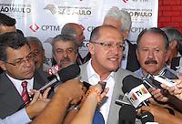 OSASCO, SP - 07.06.2012 - GERALDO ALCKMIN / CPTM / ESTACAO OSASCO - Nesta quarta-feira (7), o governador Geraldo Alckmin (PSDB) entregou tres novos trens para a Linha 8-Diamante (Júlio Prestes – Itapevi), da CPTM (Companhia Paulista de Trens Metropolitanos). O governador, junto com o prefeito de Osasco Emidio de Souza (PT), e o deputado estadual Celso Giglio (PSDB) também vistoriam as obras da estacao Osasco e liberaram dois acessos: um novo e outro que estava fechado para a instalacao de escadas rolantes e elevadores, que fazem parte das obras de modernizacao e ampliacao da estacao Osasco. (Foto: Renato Silvestre/Brazil Photo Press)
