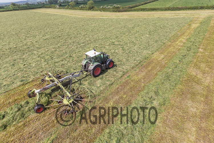 Contractors rowing silage<br /> Picture Tim Scrivener 07850 303986