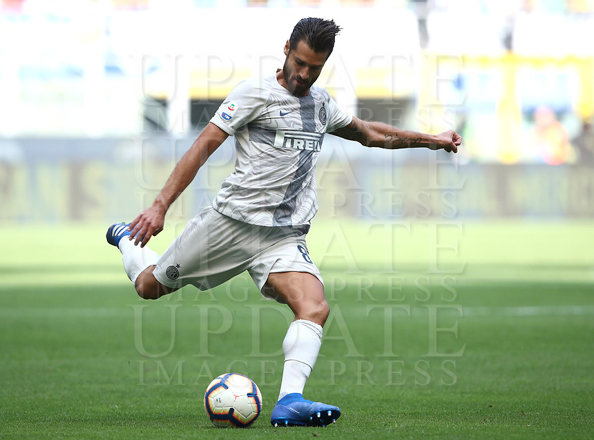 Calcio, Serie A: Inter Milano-Parma, Giuseppe Meazza stadium, September 15, 2018.<br /> Inter's Antonio Candreva in action during the Italian Serie A football match between Inter and Parma at Giuseppe Meazza (San Siro) stadium, September 15, 2018.<br /> UPDATE IMAGES PRESS/Isabella Bonotto