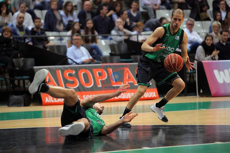 League ACB-ENDESA 2016/2017. Game: 28.<br /> Divina Seguros Joventut vs Herbalife Gran Canaria: 86-72.<br /> Luka Bogdanovic &amp; Albert Sabat.
