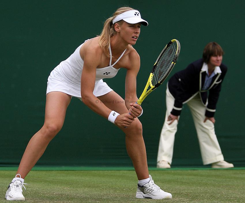 Photo: Paul Thomas..Wimbledon Championships. 27/06/2007...Elena Dementieva (RUS) during her match against Nathalie Dechy.