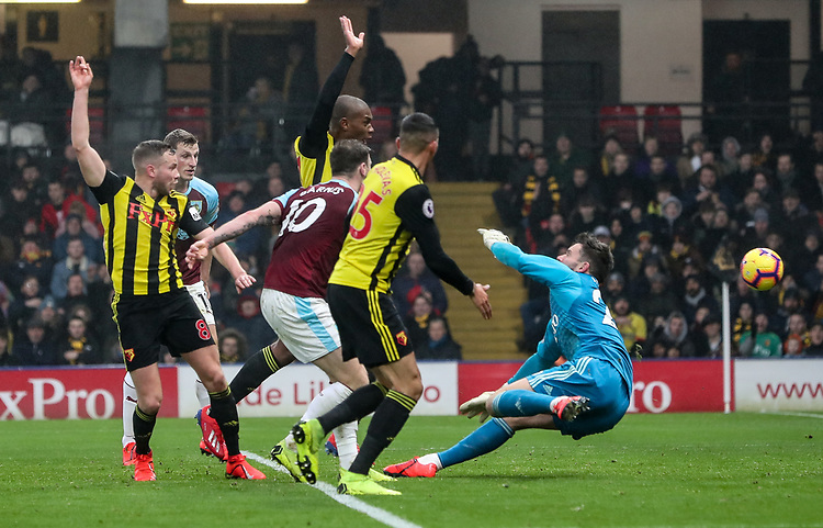 Burnley's Ashley Barnes shoots wide of  Watford's goalkeeper Ben Foster<br /> <br /> Photographer Andrew Kearns/CameraSport<br /> <br /> The Premier League - Watford v Burnley - Saturday 19 January 2019 - Vicarage Road - Watford<br /> <br /> World Copyright © 2019 CameraSport. All rights reserved. 43 Linden Ave. Countesthorpe. Leicester. England. LE8 5PG - Tel: +44 (0) 116 277 4147 - admin@camerasport.com - www.camerasport.com