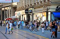 KROATIEN, 09.2012, Zagreb. Einkaufsstrasse im Zentrum. | Shopping street in the centre.  © Oliver Bunic/EST&OST