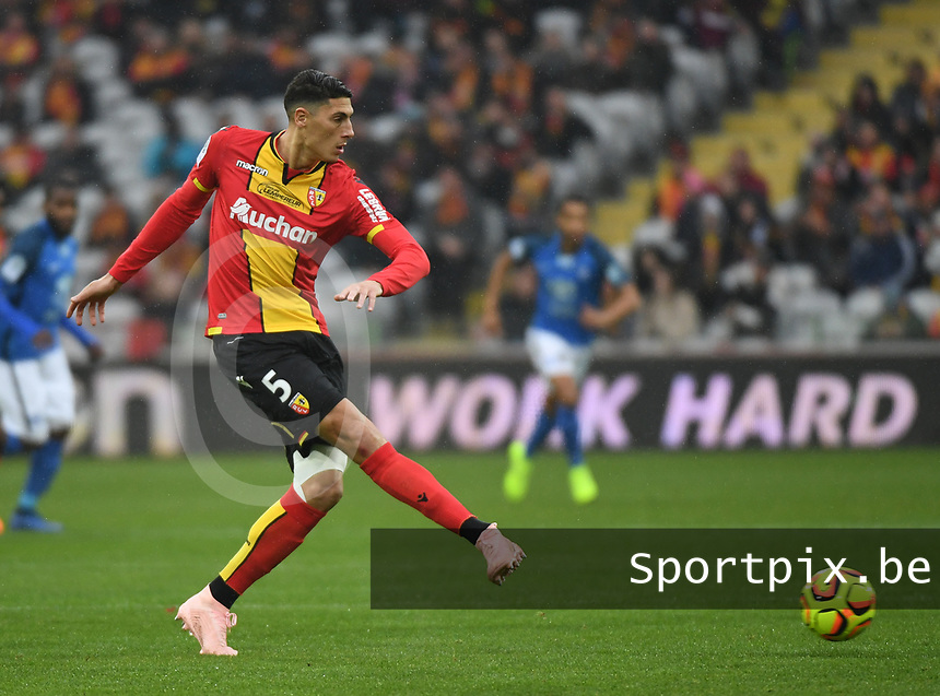 20181124 - LENS , FRANCE : Lens' Mehdi Tahrat pictured during the soccer match between Racing Club de LENS and Grenoble Foot 38, on the 15th  matchday in the French Dominos pizza Ligue 2 at the Stade Bollaert Delelis stadium , Lens . Saturday 24 Novembre 2018 . PHOTO DIRK VUYLSTEKE | SPORTPIX.BE