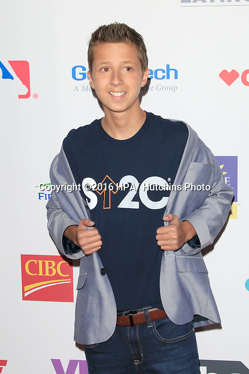 LOS ANGELES - SEP 9:  Mitch Carbon at the 5th Biennial Stand Up To Cancer at the Walt Disney Concert Hall on September 9, 2016 in Los Angeles, CA