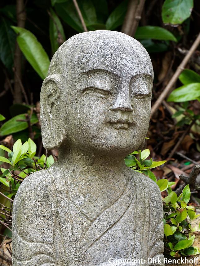 Lohan, buddhistischer Tempel Haedong Yonggungsa, Busan, Gyeongsangnam-do, S&uuml;dkorea, Asien<br /> Lohan, buddhist temple Haedong Yonggungsa, Busan,  province Gyeongsangnam-do, South Korea, Asia