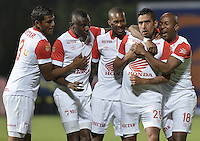 BOGOTÁ -COLOMBIA-01-02-2014. Jugadores de Independiente Santa Fe celebran un gol de Sivio Gonzalez (29) en contra de Fortaleza FC durante partido por la fecha de la Liga Postobón I 2014 jugado en el estadio Metropolitano de Techo en Bogotá./ Players of Independiente Santa Fe celebrate a goal from Sivio Gonzalez (29)against Fortaleza FC during the match for the 2nd date of Postobon League I 2014 played at Metropolitano de Techo stadium in Bogota. Photo: VizzorImage / Gabriel Aponte / Staff