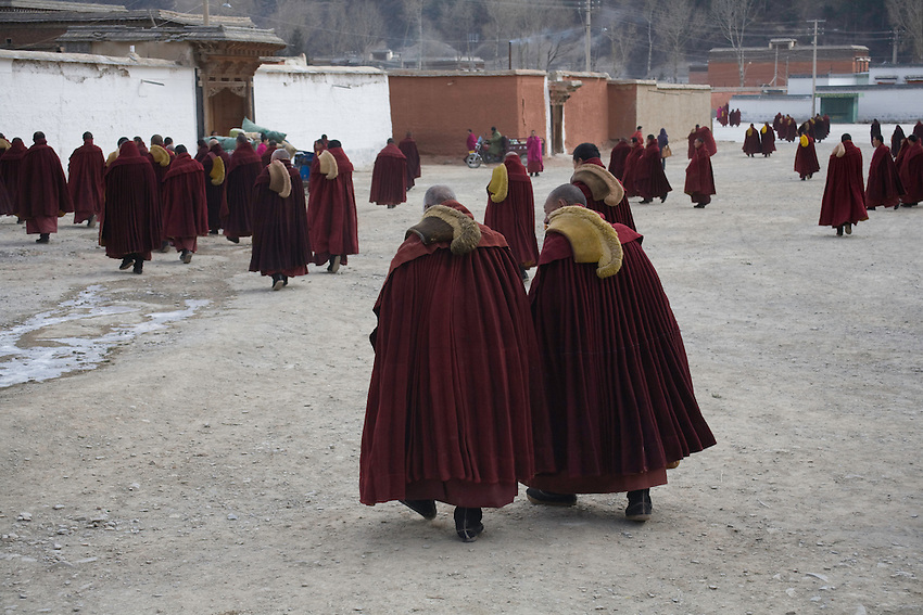 Some monks of the monastery of Labrang are leaving the Great Assembly Hall after the morning ceremony. After the riots of march 2008, more than 150 were under arrest. 4 are still in jail, waiting for their trial in november 2008. They have been condemned later to several year of jail for destruction of public goods.