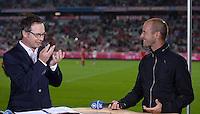 Fussball  1. Bundesliga  Saison 2013/2014   1. SPIELTAG FC Bayern Muenchen - Borussia Moenchengladbach       09.08.2013 TV Moderator Matthias Opdenhoevel (li) und  TV Experte Mehmet Scholl