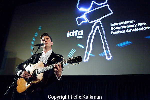 Amsterdam, 21 november 2013<br /> International Documentary Filmfestival Amsterdam, IDFA<br /> Douwe Bob performing at the screening of Whatever Forever: Douwe Bob. Tuschinski cinema.<br /> Photo by Felix Kalkman