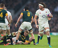 Twickenham, United Kingdom.  Tom WOOD, &quot;pulled Up&quot; by the referee's whistle, during the  Old Mutual Wealth Series match.: England vs South Africa, at the RFU Stadium, Twickenham, England, Saturday, 12.11.2016<br /> <br /> [Mandatory Credit; Peter Spurrier/Intersport-images]