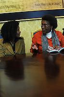 """Yolande Mukagasana , candidata al Premio Nobel per la Pace 2011 e Françoise Kankindi, presidente Bene-Rwanda onlus..Presentazione del libro """"UN GIORNO VIVRO' ANCH'IO"""", il genocidio del Rwanda raccontato ai giovani..5 febbraio 2011 - Palazzo Valentini - Provincia di Roma ,Sala di Liegro..."""