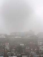 S&Atilde;O PAULO,SP,25 JUNHO - NEBLINA S&Atilde;O PAULO<br />  Manh&atilde; com neblina na regi&atilde;o do Sapopemba, zona leste de S&atilde;o Paulo, nesta segunda-feira (25).FOTO ALE VIANNA / BRAZIL PHOTO PRESS.