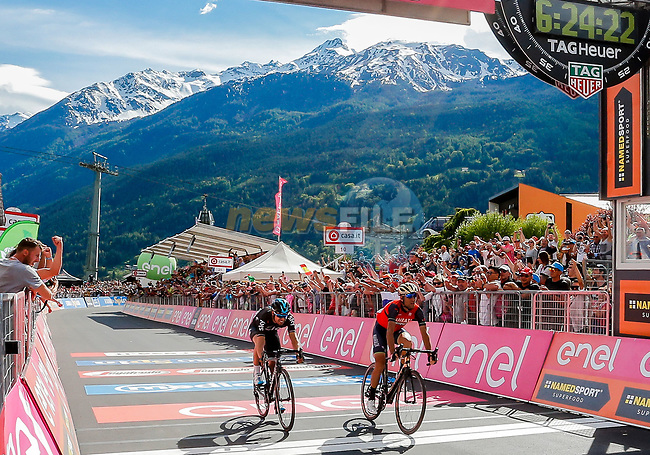 Vincenzo Nibali (ITA) Bahrain-Merida outsprints Mikel Landa (ESP) Team Sky to win Stage 16 of the 100th edition of the Giro d'Italia 2017, running 222km from Rovetta to Bormio, Italy. 23rd May 2017.<br /> Picture: LaPresse/Simone Spada | Cyclefile<br /> <br /> <br /> All photos usage must carry mandatory copyright credit (&copy; Cyclefile | LaPresse/Simone Spada)
