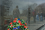 Washington D. C., memorial wreath, Vietnem War Memorial
