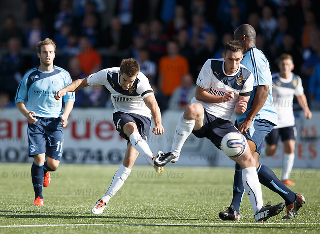 Andy Little and Lee Wallace get in the way of each other's shot