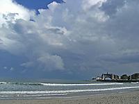 Ocean meets sky at Narragansett Beach