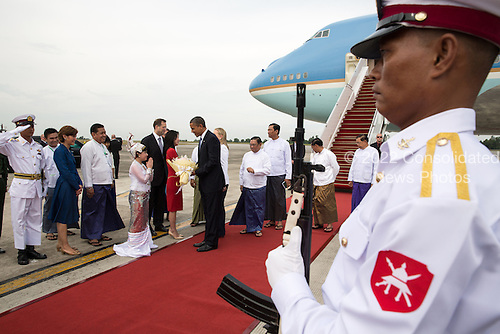 United States President Barack Obama arrives at Yangon International Airport in Rangoon, Burma, November 19, 2012. .Mandatory Credit: Pete Souza - White House via CNP