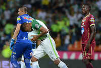 MEDELLIN- COLOMBIA - 2 - 12 - 2017:Luis Carlos Ruiz ,jugador de Atlético Nacional, celebra el gol anotado al Deportes Tolima , durante partido de vuelta de los cuartos de final entre Atlético Nacional  y Deportes Tolima, de la Liga Aguila II 2017, en el estadio Atanasio Girardot de la ciudad de Medellín. / Luis Carlos Ruiz, player of Atletico Nacional, celebrates a goal scoring to Deportes Tolima, during a match between Atletico Nacional and Depores Tolma , of the quarter of finals for the Liga Aguila II 2017 at the Atanasio Girardot Stadium  in Medellin city. Photo: VizzorImage  / León Monsalve / Contribuidor