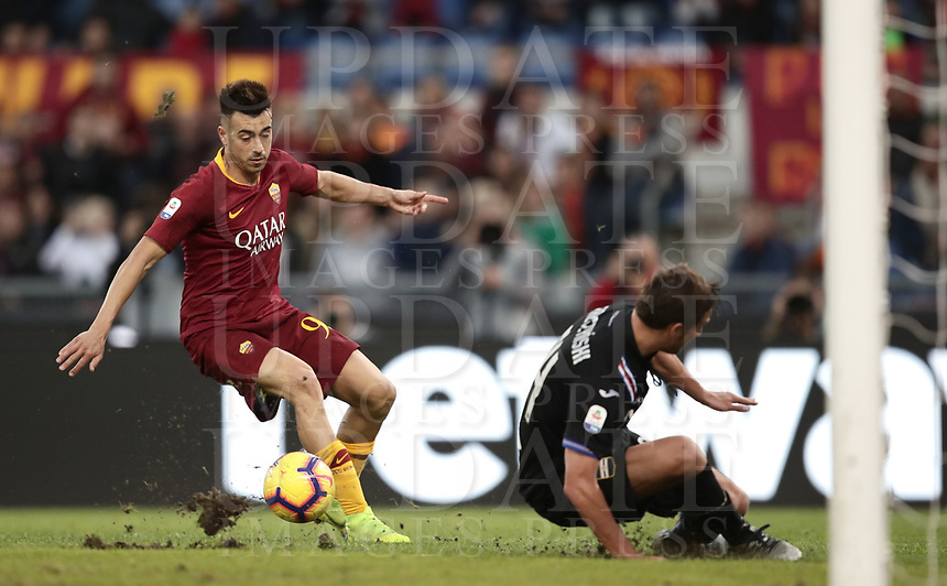 Football, Serie A: AS Roma - Sampdoria, Olympic stadium, Rome, November 11, 2018. <br /> Roma's Stephan El Shaarawy (c) is going to score his second goal of the match during the Italian Serie A football match between Roma and Sampdoria at Rome's Olympic stadium, on November 11, 2018.<br /> UPDATE IMAGES PRESS/Isabella Bonotto