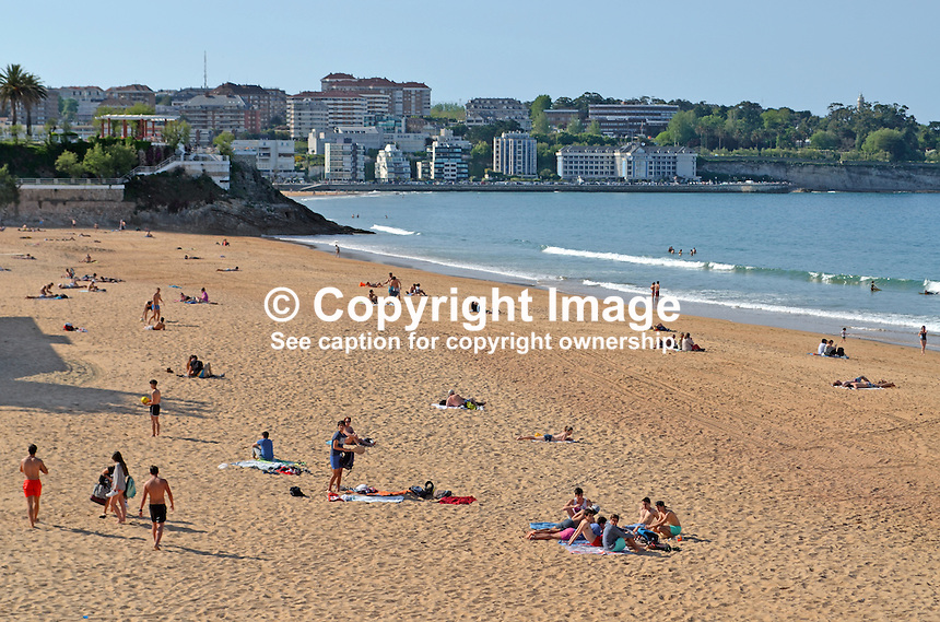 Beach, El Sardinero, Santander, Spain, May, 2015, 201505083856<br /> <br /> Copyright Image from Victor Patterson, 54 Dorchester Park, Belfast, UK, BT9 6RJ<br /> <br /> t: +44 28 9066 1296<br /> m: +44 7802 353836<br /> vm +44 20 8816 7153<br /> <br /> e1: victorpatterson@me.com<br /> e2: victorpatterson@gmail.com<br /> <br /> www.victorpatterson.com<br /> <br /> IMPORTANT: Please see my Terms and Conditions of Use at www.victorpatterson.com