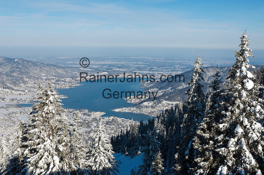 Germany, Bavaria, Upper Bavaria,  view from Wallberg mountain across Tegernseer Valley with Lake Tegern