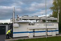 GERMANY, Hamburg Reitbrook, Eon Hansewerk, container with Power to Gas storage unit / DEUTSCHLAND, Hamburg Reitbrook, Eon Hansewerk, Container mit einer Power to Gas Anlage speist aus ueberschuessigen Windstrom mittels PEM Elektrolyse (Proton Exchange Membran) umgewandelten Wasserstoff in das Erdgasnetz ein