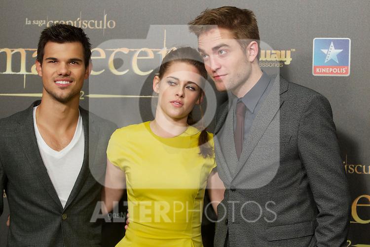 Taylor Lautner, Kristen Stewart and Robert Pattison during the premiere of The Twilight Saga: Breaking Dawn. November 15, 2012. (ALTERPHOTOS/Alvaro Hernández)