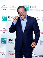 "Il regista statunitense Oliver Stone posa durante un photocall per la presentazione del suo film ""Snowden"" al Festival Internazionale del Film di Roma, 14 ottobre 2016.<br /> U.S. director Oliver Stone poses for a photocall to present the movie ""Snowden"" during the international Rome Film Festival at Rome's Auditorium, 14 October 2016 .<br /> UPDATE IMAGES PRESS/Isabella Bonotto"