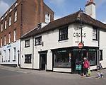 Historic Cross Inn dating from 1652, Woodbridge, Suffolk, England