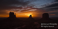 Sunrise monument valley.