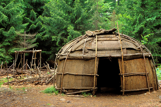 The Lenni Lenape Delaware people built dome shaped shelters covered with bark called wigwams.