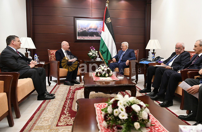 Palestinian President Mahmoud Abbas meets with U.S. President Donald Trump's Middle East envoy, Jason Greenblatt, at his office, in the West Bank city of Ramallah on July 13, 2017. Photo by Osama Falah