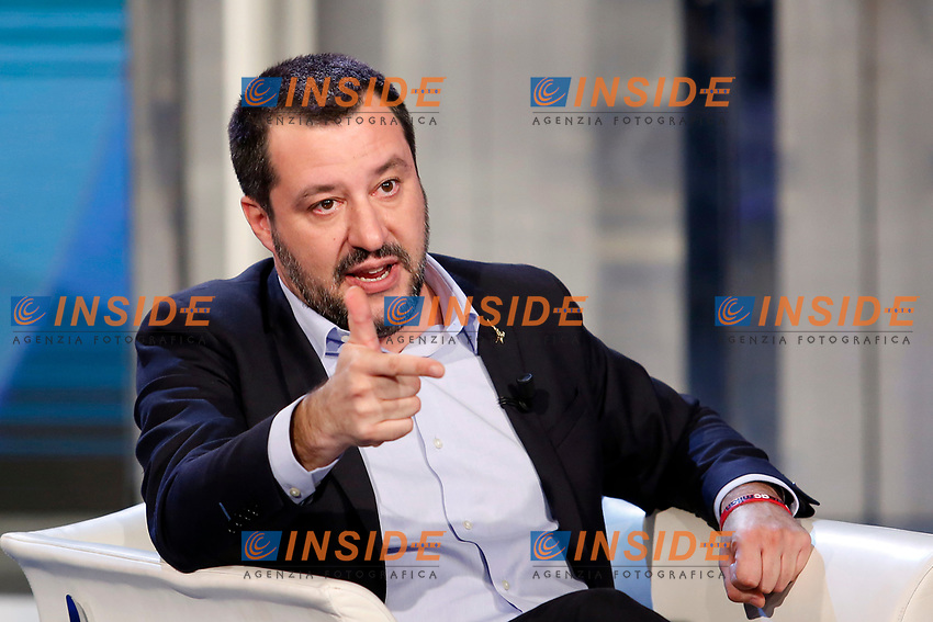 Matteo Salvini pretending to shoot a gun<br /> Rome January 10th 2019. The Italian Minister of Internal Affairs appears as a guest on the tv show Porta a Porta<br /> Foto Samantha Zucchi Insidefoto