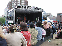 July 20 2003 File Photo <br /> Nuit D'afriques market and free outdoor concert at Square Berri. Photo by Pierre Roussel