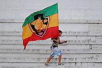 RIO DE JANEIRO, 25 DE MAIO DE 2013 - ESPORTES - FUTEBOL - CAMPEONATO BRASILEIRO 2013 - SÉRIE A - VASCO - RJ  X  PORTUGUESA - SP torcedor do Vasco,  Durante partida entre a equipe do  válida pela primeira partida do campeonato Brasileiro 2013,  no estádio São Januário, neste sábado (25) as 18h30 na cidade do Rio de Janeiro. FOTOS: DORIVAL ROSA/ BRAZIL PHOTO PRESS