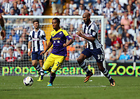 Pictured: (L-R) Jonathan de Guzman, Nicolas Anelka.<br />