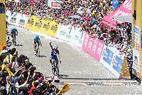 LA UNION - COLOMBIA, 16-02-2019: Julian ALAPHILIPPE (FRA), Deceuninck - Quick Step Floors, cruza la línea de meta como ganador de la la quinta etapa del Tour Colombia 2.1 2019 con un recorrido de 176.8 Km, que se corrió con salida y llegada en La Union, Antioquia. / Julian ALAPHILIPPE (FRA), Deceuninck - Quick Step Floors, crosses the finish line as winner of the fifth stage of 176.8 km of Tour Colombia 2.1 2019 that ran with start and arrival in La Union, Antioquia.  Photo: VizzorImage / Eder Garces / Fedeciclismo Prensa / Cont