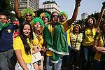 Brazil fans (BRA), <br /> JUNE 28, 2014 - Football /Soccer : <br /> 2014 FIFA FAN FESTA <br /> Round of 16 <br /> between Brazil - Chile <br /> at Vale do Anhangabau, Sao Paulo, Brazil. <br /> (Photo by YUTAKA/AFLO SPORT) [1040]