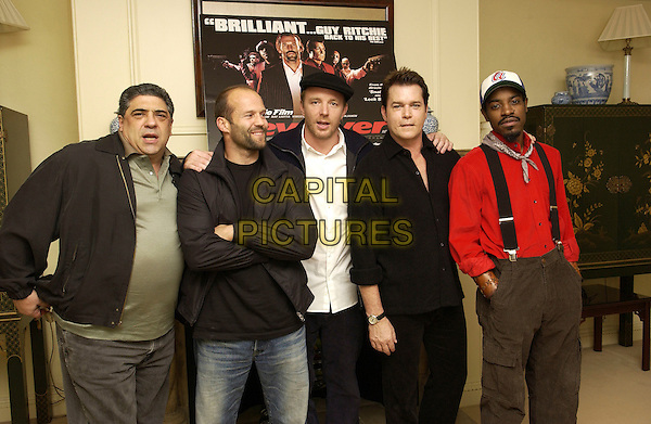 "VINCENT PASTORE, JASON STATHAM, GUY RITCHIE, RAY LIOTTA, ANDRE BENJAMIN.photocall for film ""Revolver"".Dorchester Hotel.London 20 September.Ref: FIN.half length.www.capitalpictures.com.sales@capitalpictures.com.©Steve Finn/ Capital Pictures."