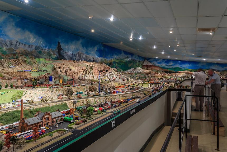 France, Calvados (14), Clécy, Chemin de Fer Miniature, une des plus grande surface de maquette d'Europe // France, Calvados, Clecy, Miniature Railway, one of the largest surface model of Europe