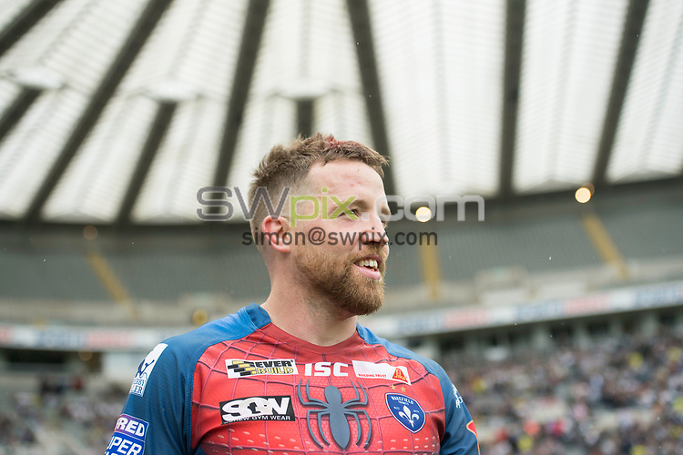 Picture by Allan McKenzie/SWpix.com - 20/05/2017 - Rugby League - Dacia Magic Weekend - Widnes v Wakefield - St James' Park, Newcastle, England - Danny Kirmond.