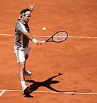 Roger Federer (SUI) defeated Leonardo Mayer (ARG) 6-2, 6-3, 6-3