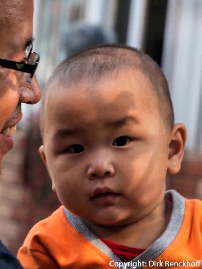 Baby in Peking, Peking, China, Asien<br /> Baby, Beijing, China, Asia