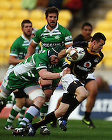 Manawatu lock James Goode tries to stop Apoua Stewart. Air NZ Cup - Wellington Lions v Manawatu Turbos at Westpac Stadium, Wellington, New Zealand. Saturday 3 October 2009. Photo: Dave Lintott / lintottphoto.co.nz