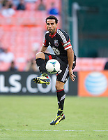 Dwayne De Rosario (7) of D.C. United takes control of the ball during a game at RFK Stadium in Washington, DC.  D.C. United tied Toronto FC, 1-1.