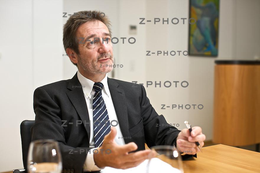 Interview mit CEO Beat Kaelin, Komax im<br /> Hauptsitz  in Dierikon am 25.8.08<br /> <br /> Copyright &copy; Zvonimir Pisonic