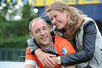 KAATSEN: LEEUWARDEN: 19-07-2015, Daniël Iseger en vriendin Manon Scheepstra, ©foto Martin de Jong
