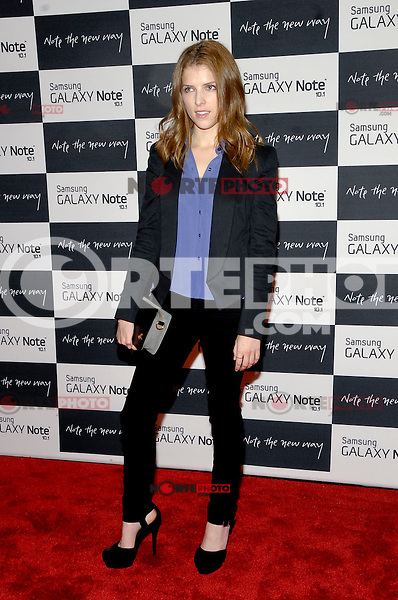 NEW YORK - AUGUST 15: Actress Anna Kendrick attends Samsung Galaxy Note 10.1 Launch Event at Jazz at Lincoln Center on August 15, 2012 in New York City. (Photo by MPI81/MediaPunchInc) /NortePhoto.com<br /> <br /> **CREDITO*OBLIGATORIO** *No*Venta*A*Terceros*<br /> *No*Sale*So*third* ***No*Se*Permite*Hacer*Archivo***No*Sale*So*third*